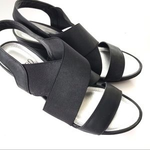 Impo stretch comfort ladies wedges, size 8
